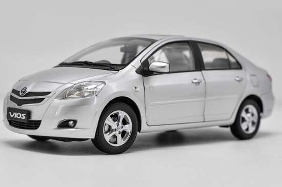 Black / Blue / Silver / Golden 1:18 Diecast Toyota Vios Model