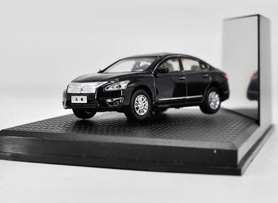 Black 1:43 Scale Diecast Nissan Teana Model