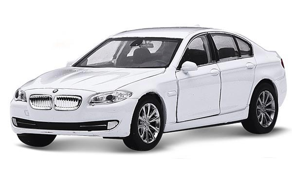 White / Golden Kids 1:36 Scale Welly Diecast BMW 535i Toy