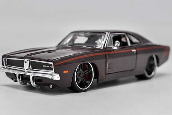 Brown 1:24 Scale Maisto Diecast Dodge Charger Model