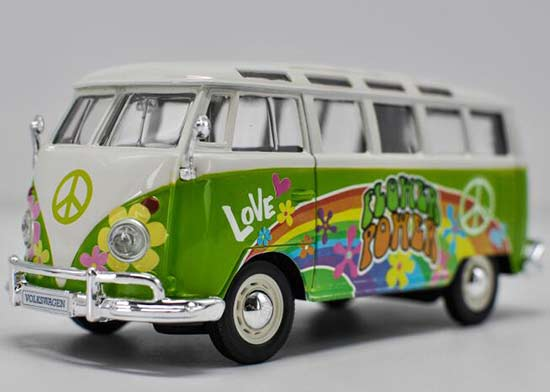 Green-White 1:24 Scale Maisto Diecast VW T1 Bus Model