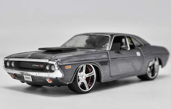 1:24 Scale Black Maisto Diecast Dodge Challenger R/T Model