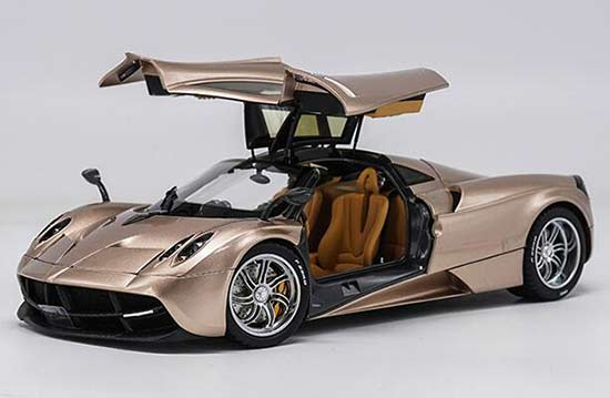 1:18 Golden / White / Wine Red Diecast Pagani Huayra V12 Model