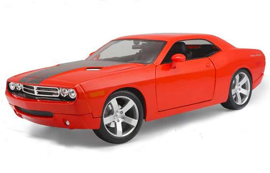 1:18 Scale Red Maisto Diecast 2006 Dodge Challenger Model