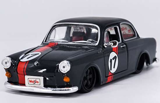 Black 1:24 Scale Maisto Diecast VW 1600 Notchback Model