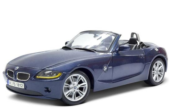 Blue Maisto 1:24 Scale Diecast BMW Z4 Model