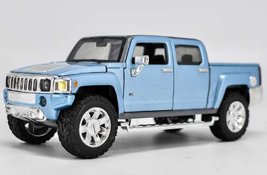 Blue Maisto 1:24 Scale Diecast Hummer H3T Model