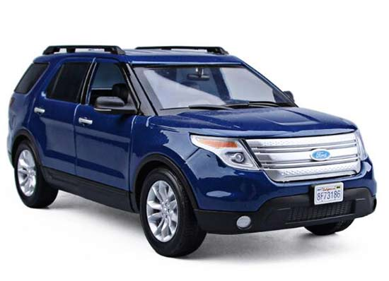 Blue / Red 1:18 Motormax Diecast 2015 Ford Explorer XLT Model