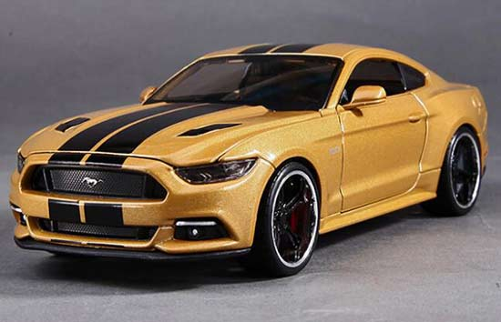 1:24 Scale Golden Maisto Diecast 2015 Ford Mustang GT Model