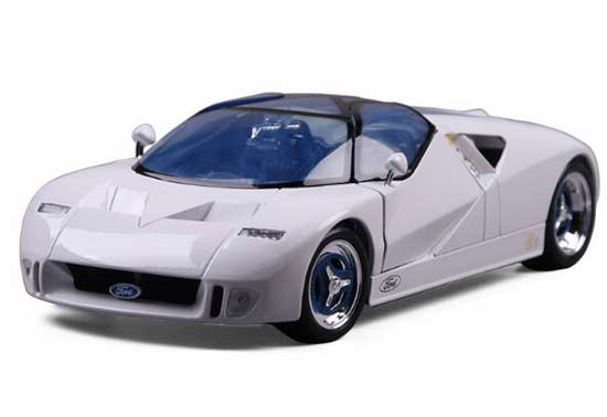White 1:18 Scale Maisto Diecast Ford GT 90 Model