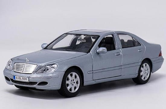 Silver 1:24 Scale Maisto Diecast Mercedes Benz S-Class Model