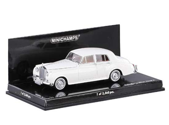 White Minichamps 1960 Diecast Rolls Royce Silver Cloud Model