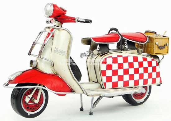 White-Red Vintage 1:8 Scale Tinplate 1965 Vespa Scooter Model