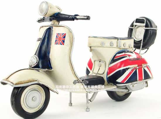 Union Jack Painting Retro 1:8 Tinplate Vespa Scooter Model