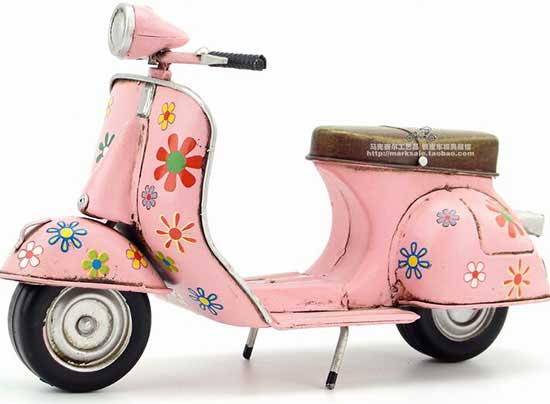 Vintage Pink Tinplate 1:8 Scale 1969 Vespa Scooter Model