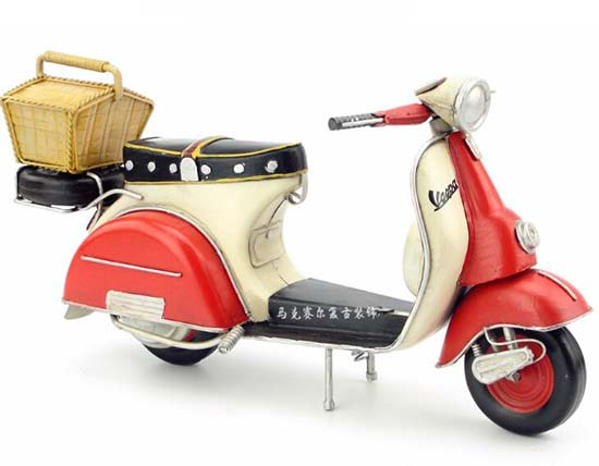 Red-White Vintage 1:6 Scale Tinplate Vespa Scooter Model