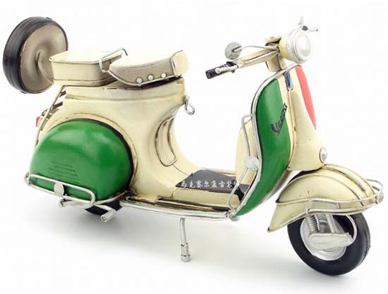 Vintage 1:6 Colorful Painting Tinplate Vespa Scooter Model