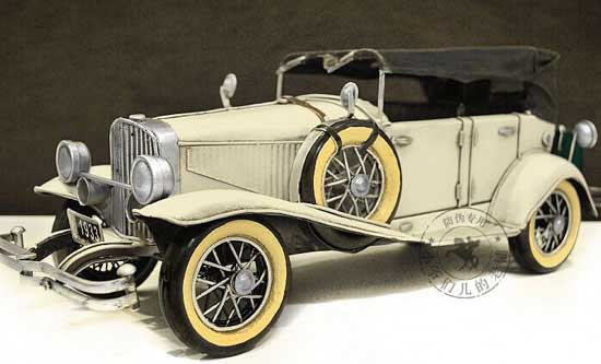 White 1:14 Scale Retro Tinplate 1933 Duesenberg Model SJ Car