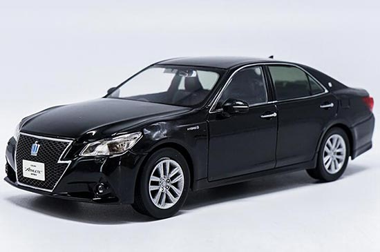 Black 1:30 Scale Diecast Toyota Crown Model