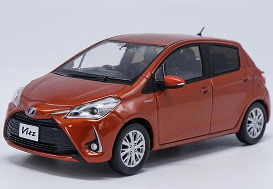 Seven Colors 1:30 Scale Diecast Toyota Vitz Model