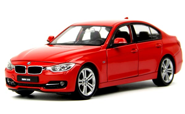Welly Red 1:18 Scale Diecast BMW 3 Series 335i Model
