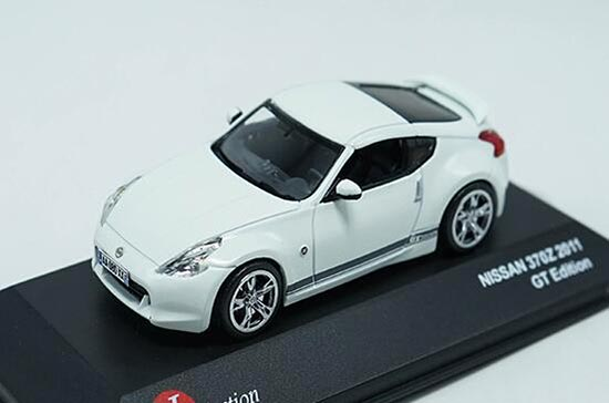 White 143 Scale J Collection Diecast 2011 Nissan 370z Model