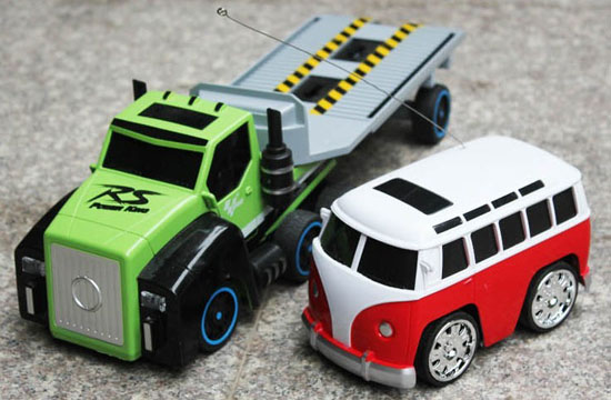 White-red Kids RC Bus Toy Along With Tow Truck Toy