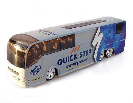 1:50 Scale White-Blue TOUR DE FRANCE Quick Step Bus Model