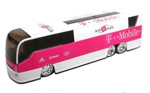1:50 Scale Pink-White TOUR DE FRANCE Bouygues Telecom Bus Model