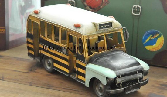 Vintage Style Medium Scale Yellow U.S. School Bus Model