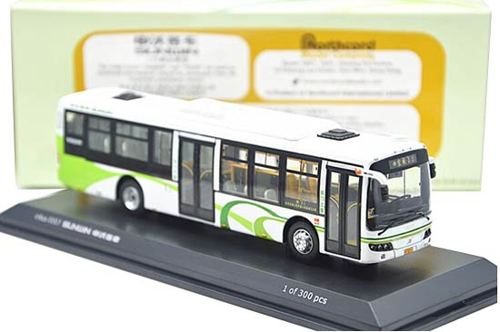 1:76 Scale White-Green CMNL Sunwin ShangHai City Bus Model