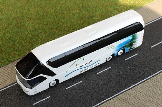 White-Blue 1:87 Scale Neoplan Starliner 2 Pinno Tour Bus Model