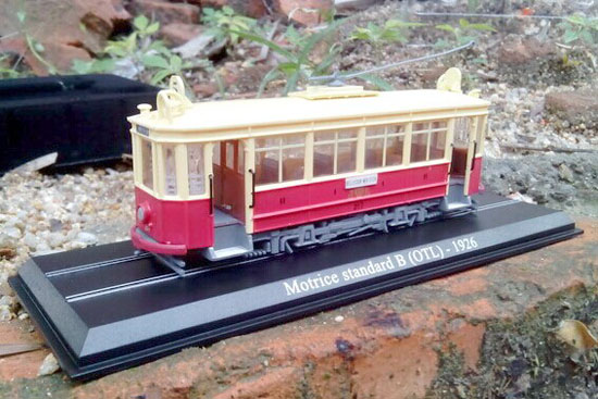 Red-White 1:87 Atlas Motrice standard B OTL 1926 Tram Model