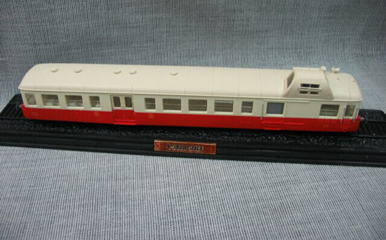 Red-White 1:87 Scale Atlas L Autorail X-3800 PICASSO Train Model