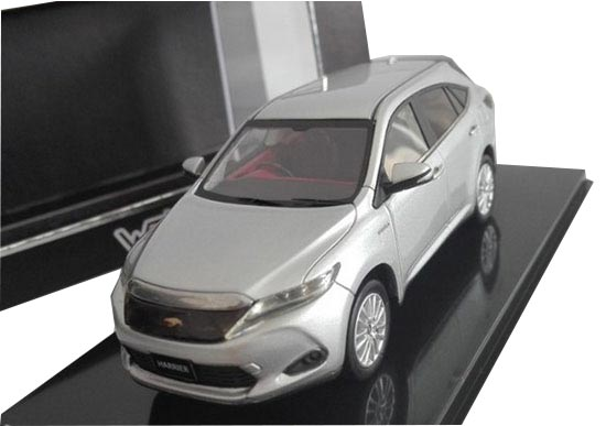 Silver / White / Black 1:43 Scale Diecast Toyota Harrier Model