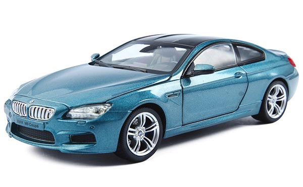 Silver / Blue / White 1:24 Scale Diecast BMW M6 Coupe Model
