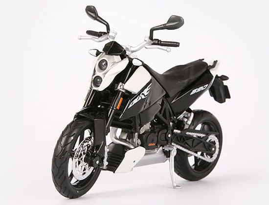 Black 1:12 Scale MaiSto Assembly Die-Cast KTM Duke 690 Model