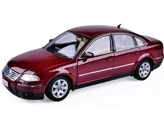Wine Red / Silver 1:18 Scale Welly Diecast VW Passat Sedan Model