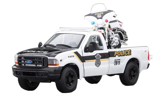 1:24 Scale White MaiSto Police Die-Cast Ford F350 Pickup Model
