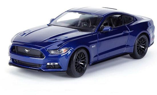 Red / White / Blue 1:18 Scale MaiSto Die-Cast 2015 Ford Mustang
