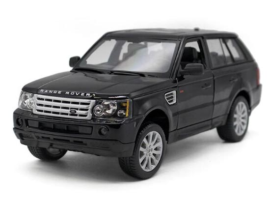 1:18 Scale Red / Black Bburago Diecast Range Rover Sport Model