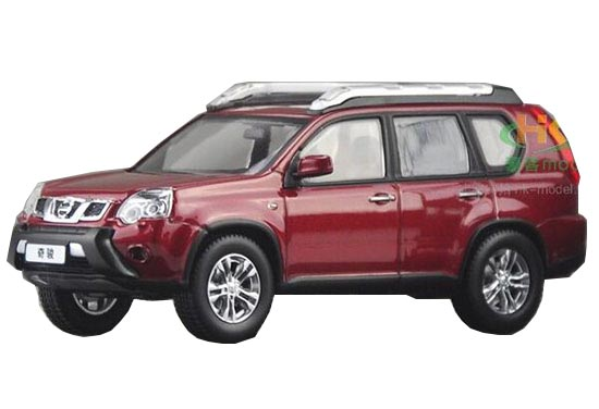 Silver 1:43 Scale Die-Cast Nissan X-TRAIL Model
