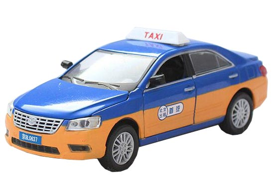 Blue / Red / Green 1:32 Taxi Theme Diecast Toyota Camry Toy