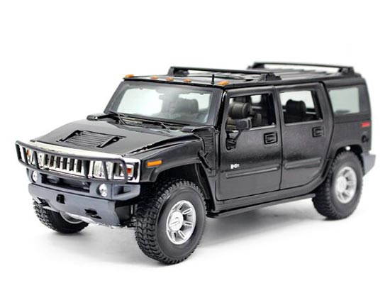 White / Black / Yellow 1:18 Maisto Diecast Hummer H2 SUV Model