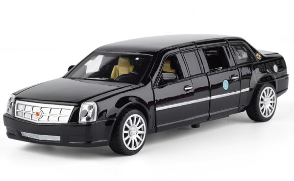 Kids 1:32 Scale White / Black Diecast Cadillac DTS Toy