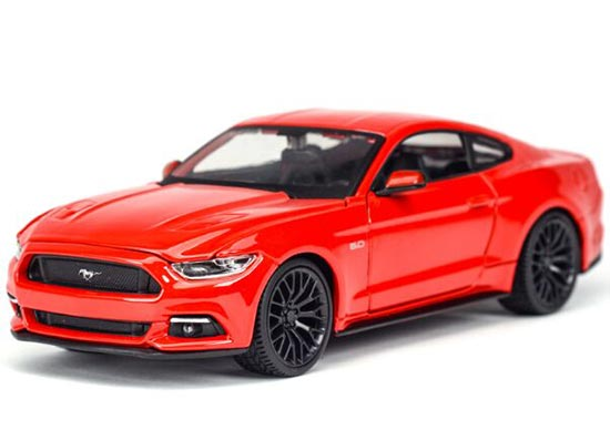 Red / Blue 1:24 Scale Maisto Die-Cast 2015 Ford Mustang GT Model