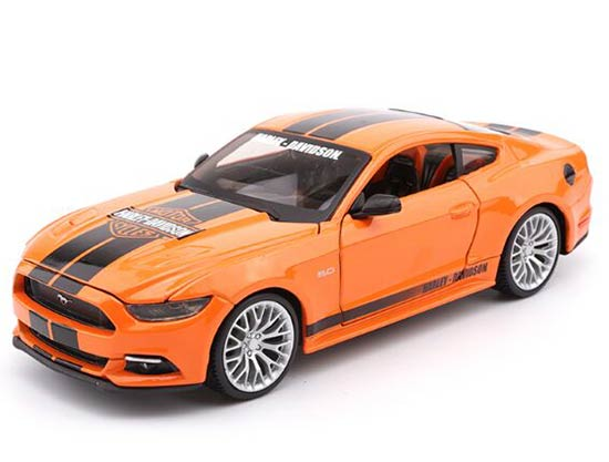 Orange 1:24 Scale Maisto Die-Cast 2015 Ford Mustang GT Model