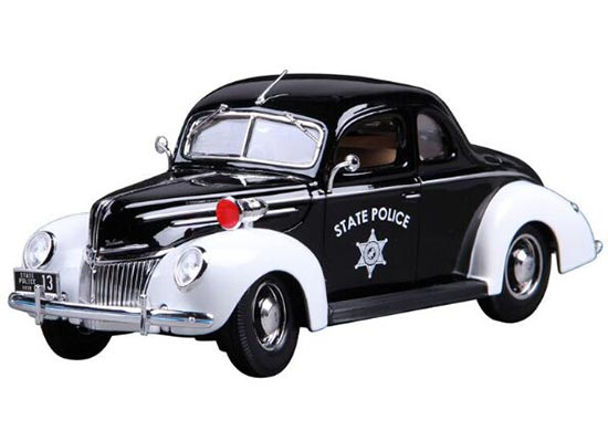 Black-White 1:18 Scale Police Die-Cast 1939 Ford Deluxe Model