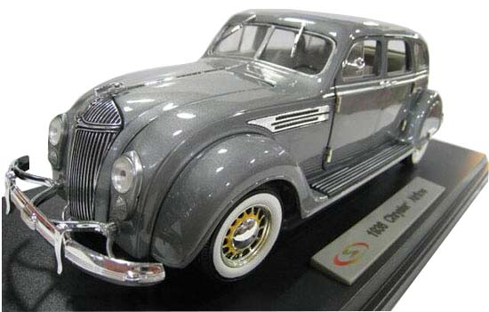 Gray 1:18 Scale Signature Diecast 1936 Chrysler Airflow Model