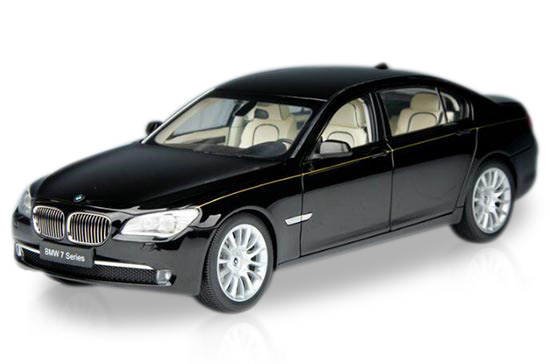 1:18 Scale Black / White Kyosho Die-Cast BMW 760Li Model